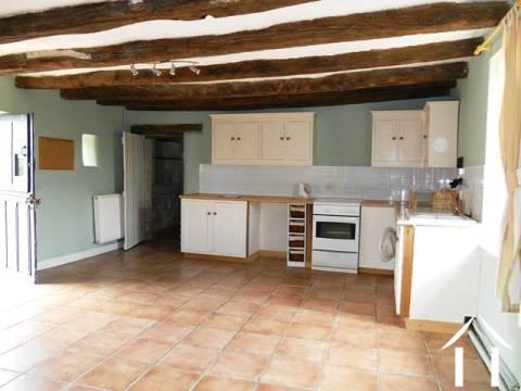 Woonboerderij te koop le lude landen van de loire 3832 - Keuken in het oude huis ...