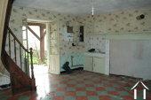 Lief Huisje te Renoveren met Tuin in Gehuchtje bij Rvier.