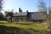 Project met diverse bijgebouwen en 1,2 hectare