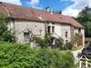 Karakteristiek dorpshuis met bijgebouwen Ref # RT5197P