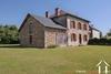 Maison de maître aan het dorpsplein Ref # Li698