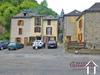 Te renoveren natuurstenen dorpshuis ongeveer. 65m2 met grote garage 78m2  Ref # MPDK022