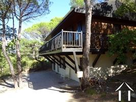 Vrijstaand huis met Mediterrane bostuin en prettig uitzicht