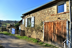 Huis met 3 slaapkamers en 5000m2 grond omgeving Cluny.