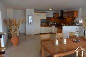 Ruim appartement met uitzonderlijke ligging en zeezicht Ref # 11-2317 foto 5
