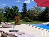 Villa met zwembad en uitzicht nabij fietspad in AOC-streek Ref # 11-2393 foto 3
