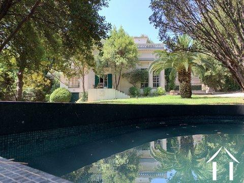 Belle demeure met park tuin nabij centrum van Montpellier Ref # 2402
