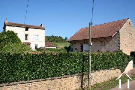 Vrijstaand huis met 4/5  slaapkamers,grote schuur, op 2,3 ha Ref # LB5029N