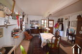 Karakteristiek huis met 2 gastenkamers in apart huisje Ref # BH5023V foto 4 dining room with corner kitchen of 29m2