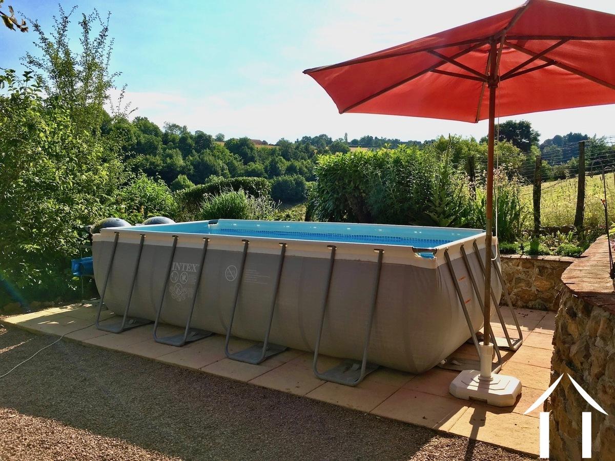 Authentiek huis te koop semur en brionnais bourgogne for Opzet zwembad
