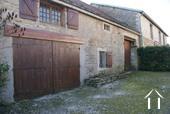 Ruim dorpshuis met karakter Ref # JB7037P foto 10 Entrance to barn & garage