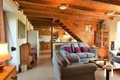 Gerenoveerde boerderij met 5 slaapkamer en mooi uitzicht Ref # JP5012S foto 2 cosy salon and farmhouse kitchen