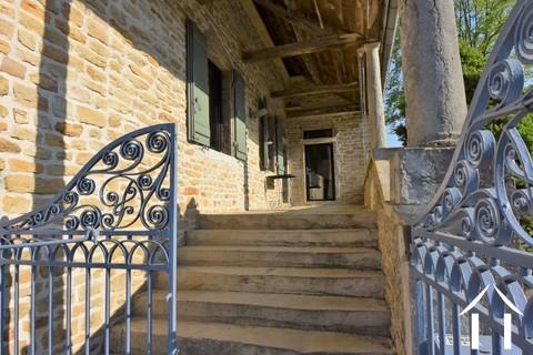 Stenen huis met 3 slaapkamers te noorden van Cluny Ref # JP4964S
