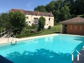 Luxe appartement in middeleeuws stadje Ref # RT4786P foto 1 Poolside of Mill Building