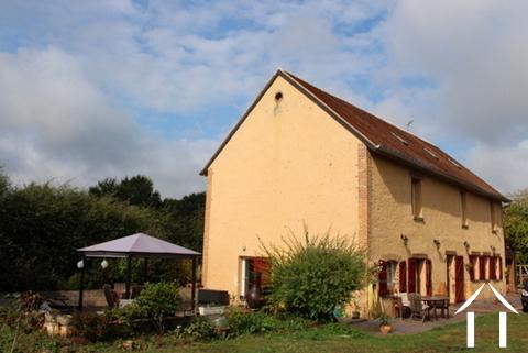 Gerenoveerd huis met zwembad te koop Ref # LB4851N