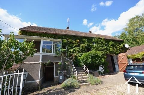 Huis met uitzicht en veel potentieel Ref # BH5033V