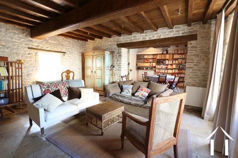 Karakteristiek, gerenoveerd huis in prachtig wijndorp. Ref # CR4880BS Hoofd foto Ger Haubtbild