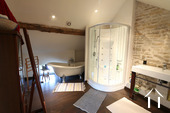Karakteristiek, gerenoveerd huis in prachtig wijndorp. Ref # CR4880BS foto 12 Master badkamer