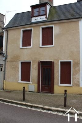 Gerenoveerd huis met nog te renoveren pand extra. Ref # LB4872N