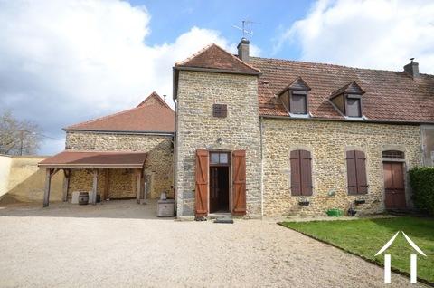 Stenen huis met grote tuin in wijn dorp Ref # BH4941V
