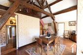 Typisch Bourgondisch huis met zicht op wijngaarden. Ref # CR5024BS foto 3 Upsatirs salon