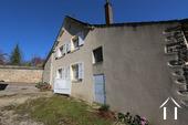 Typisch Bourgondisch huis met zicht op wijngaarden. Ref # CR5024BS foto 14 West facade
