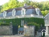 Herenhuis met 2 apparte gastenverblijven en zwemad Ref # BH4953V foto 8 the 215m2 manor house as seen from the entrance