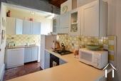 Herenhuis met 2 apparte gastenverblijven en zwemad Ref # BH4953V foto 38 corner kitchen
