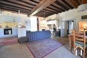 Herenhuis met 2 apparte gastenverblijven en zwemad Ref # BH4953V foto 45 large living area in guest house 2