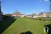 Herenhuis met 2 apparte gastenverblijven en zwemad Ref # BH4953V foto 32 grass garden reserved for the spring cottage