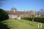 Herenhuis met 2 apparte gastenverblijven en zwemad Ref # BH4953V foto 47 private garden of guest cottage 2