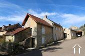 Typisch Bourgondisch huis met zicht op wijngaarden. Ref # CR5024BS foto 1 House