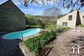Typisch Bourgondisch huis met zicht op wijngaarden. Ref # CR5024BS foto 2 Terracce, pool, garden & view