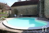 Typisch Bourgondisch huis met zicht op wijngaarden. Ref # CR5024BS foto 13 Pool