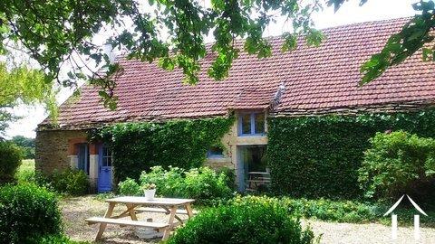 Mooi huisje met tuin Ref # RT5052P