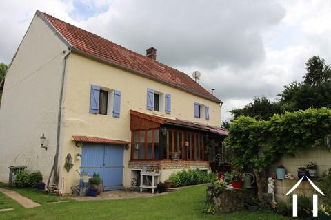 Charmant gerenoveerd huis met karakter in de Puisaye Ref # LB4998N