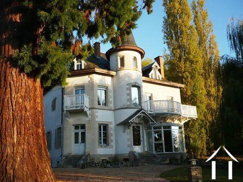 Bijzonder karaktervol huis Ref # RT5000P