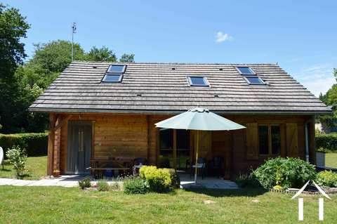 Houten huis met grote tuin Ref # RP5005M