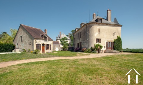 Historisch frans kasteel in perfecte staat te koop. Ref # LB4972N