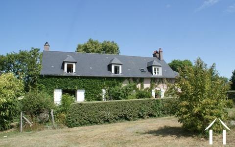 Charmant huis met veel grond. Ref # RT5017P
