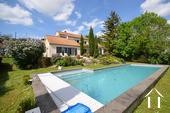 Modern huis met veel daglicht en zwembad. Omgeving Beaune. Ref # CR5036BS foto 1 propriété avec piscine et vue