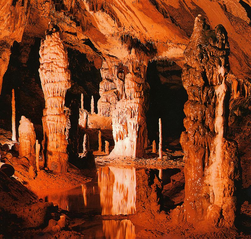 <en>Caves</en><fr>Grottes</fr>