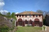 Verbouwd 19e eeuws landhuis, 3 suites, Cote Roannaise Ref # BH4979H foto 1