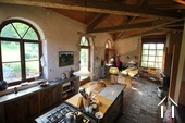 Verbouwd 19e eeuws landhuis, 3 suites, Cote Roannaise Ref # BH4979H foto 3 kitchen