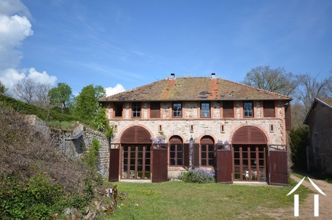 Verbouwd 19e eeuws landhuis, 3 suites, Cote Roannaise Ref # BH4979H