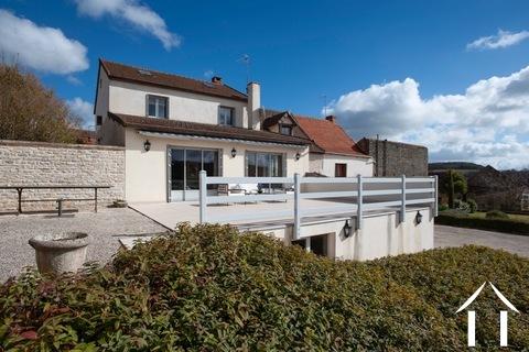 Prachtig luxueus huis met uitzicht op wijngaarden. Ref # BH4946V