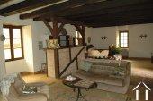 Lieflijk Dorpshuis, binnenplaats en te restaureren schuur.   Ref # GVS4849C foto 8