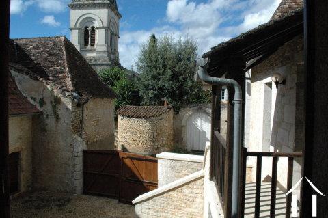 Lieflijk Dorpshuis, binnenplaats en te restaureren schuur.   Ref # GVS4849C Hoofd foto Ger Haubtbild