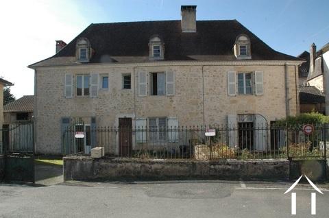 Mooi Herenhuis met 3 appartementen te renoveren in dorp. Ref # GVS4956C Hoofd foto Ger Haubtbild