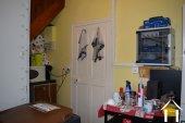 Te renoven huis met schuur Ref # Li454 foto 6